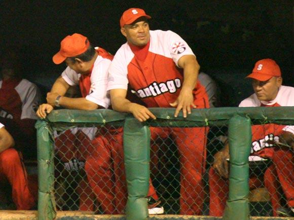 20140730043432-serie-beisbol-cuba-3-antonio-pacheco.jpg