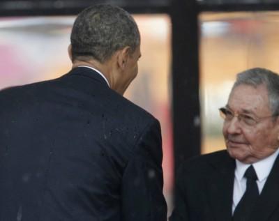20131211020032-obama-y-raul.jpg